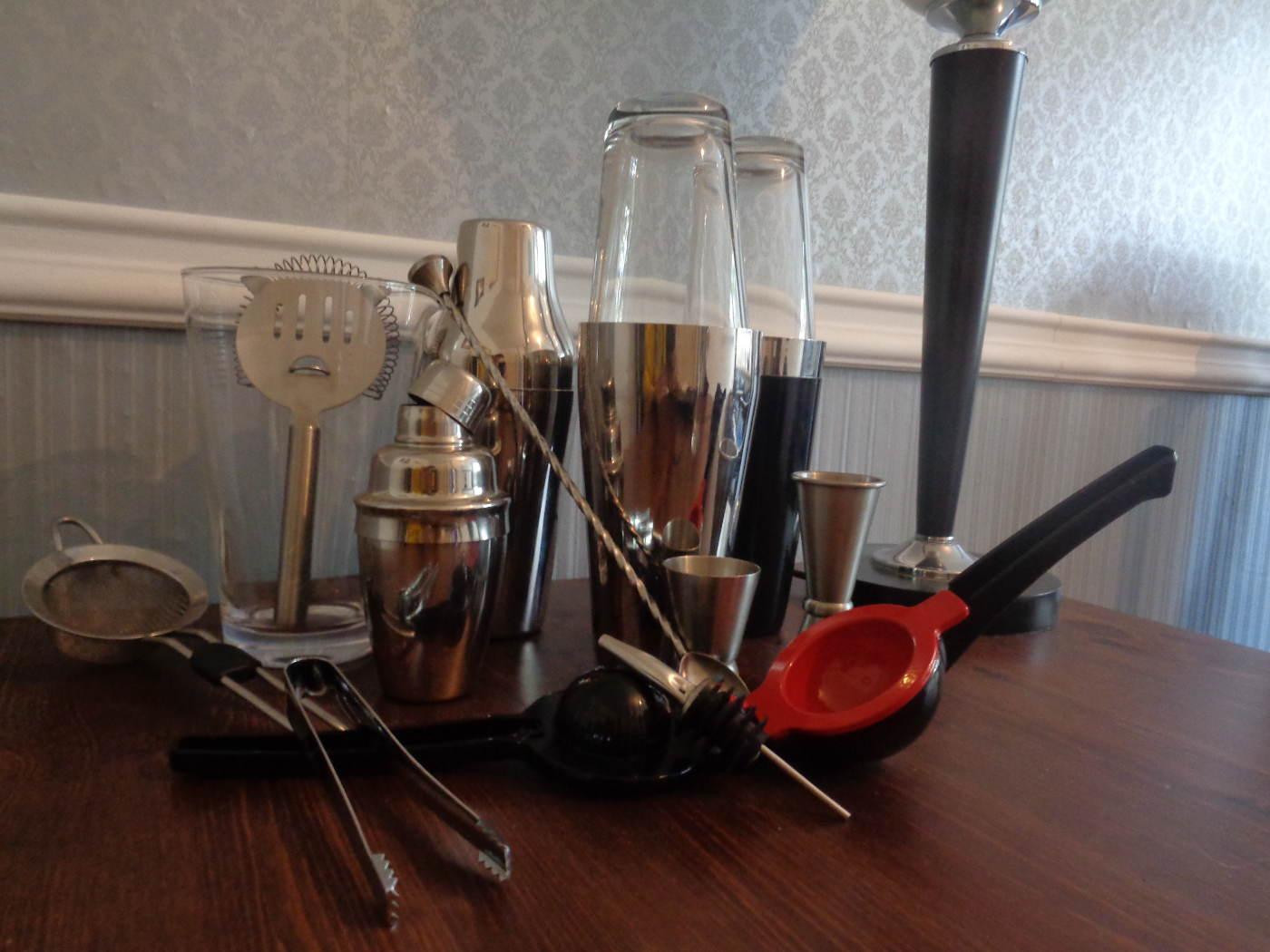 cocktails zu hause selber machen barwerkzeug aus der k che gentle drinks. Black Bedroom Furniture Sets. Home Design Ideas
